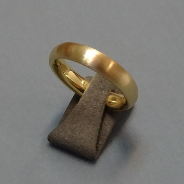 230242  Trauring in 750-Gold, Schmuck gebraucht, Second Hand / Goldschmiede Karl Spörl in Hof/Saale